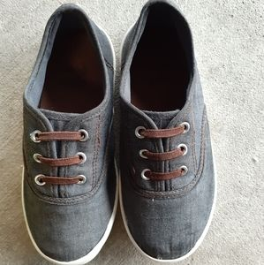 Zoe & Zac Boys Casual Chambray Pull On Sneakers